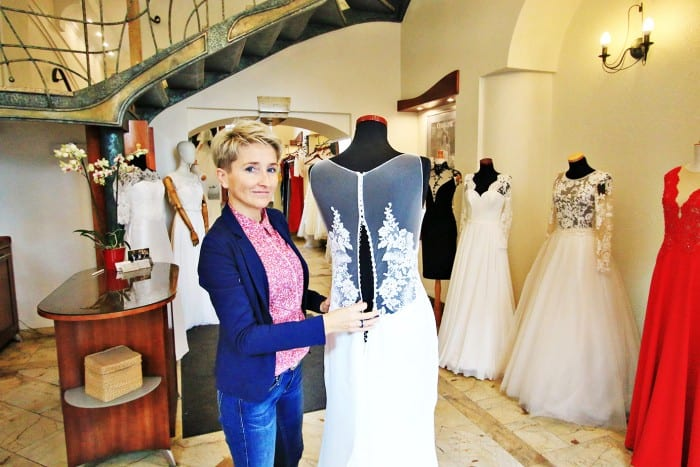 """debfad7e Każda suknia ślubna musi mieć duszę – twierdzi Kinga Rybicka, która od 15  lat prowadzi salon sukien """"Paris"""" w Lublinie"""