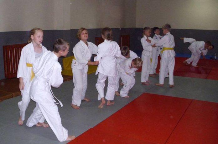 Na zgrupowaniu w Zawoi młodzi zawodnicy Spartakusa łączą trening z wypoczynkiem.