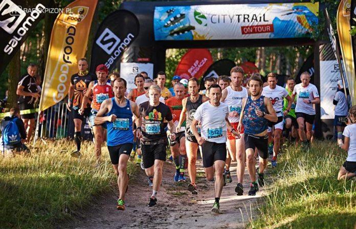 Start do biegu open na dystansie 5 kilometrów